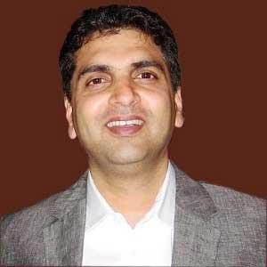 Dr  Arvind Kulkarni: Best Laser Spine Surgeon Bombay